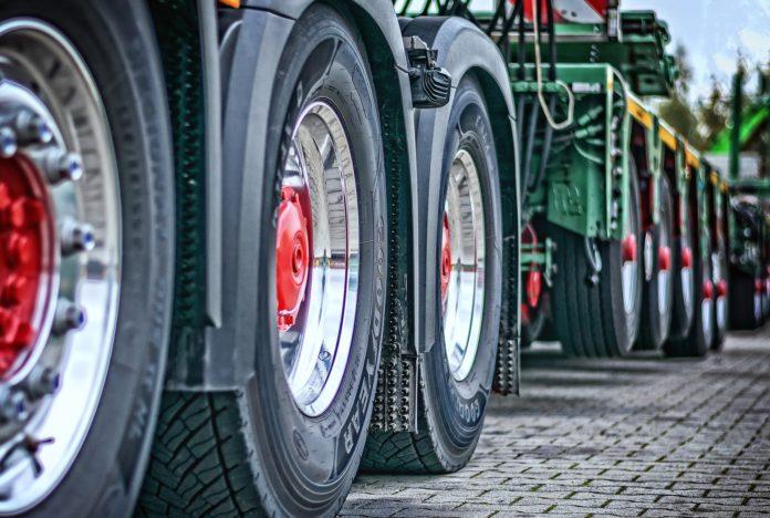 samferdsel lastebil vogntog tungtrafikk